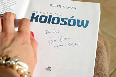 """""""Pokolenie Kolosów"""" Piotra Tomzy z dedykacją dla mnie :)"""