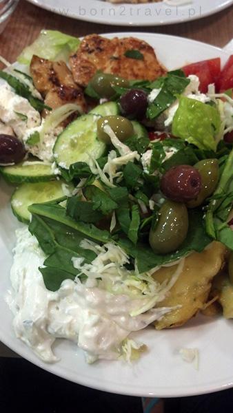 Tzatziki i greckie oliwki. Pyszności!