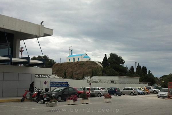 Kościół na lotnisku - w razie, gdyby ktoś chciał się pomodlić przed odlotem... ;)