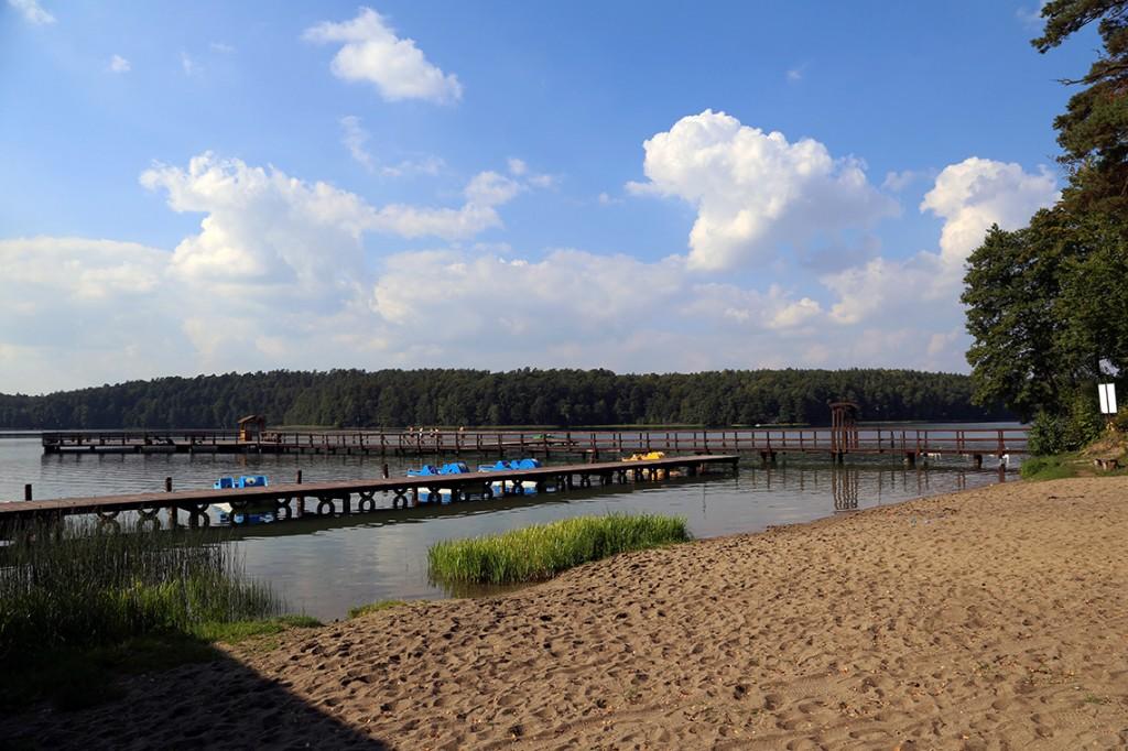 Takim widokiem przywitało nas Jezioro Niedackie i miejscowość oraz ośrodek Twardy Dół...