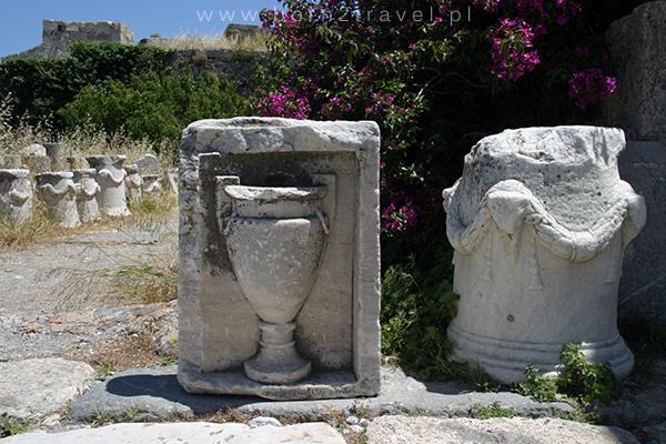 Pozostałości kolumn i posągów totalnie mnie zaabsorbowały – wszystkie musiałam obejrzeć, prawie wszystkich dotknąć ;)