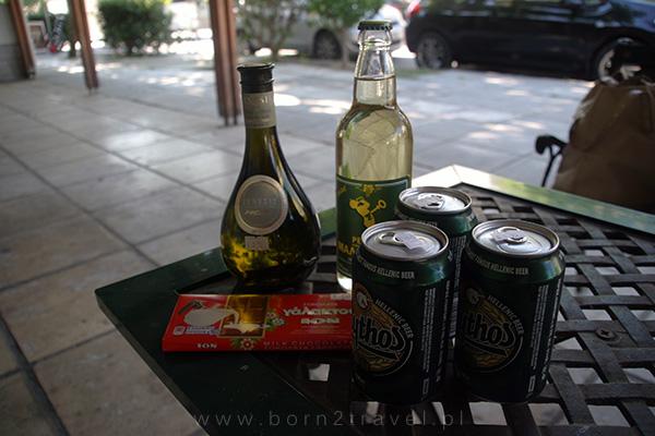 Małe greckie zakupy: wino, piwo i czekolada ;)