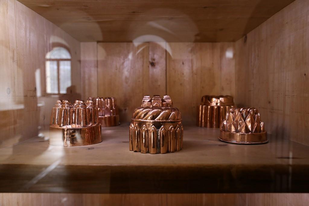 Ok, właściwie mam jedno jedyne zdjęcie z wnętrza Neuschwanstein. Oto foremki na ciasta z zamkowej kuchni :)