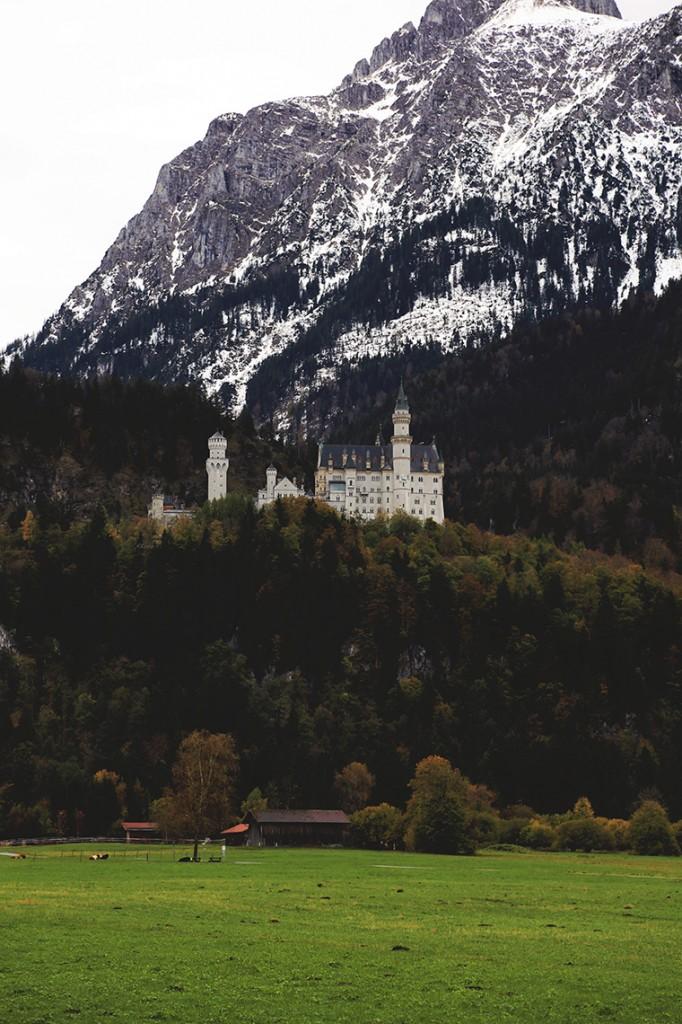 Zamek Neuschwanstein. Zdjęcie zrobione przy naprawdę konkretnym zoomie.