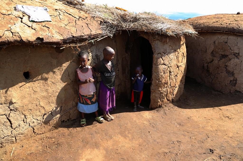 Dzieci z wioski Masajów, Kenia 2013.