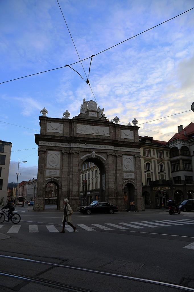 Innsbruck ma nawet swój Łuk Triumfalny.