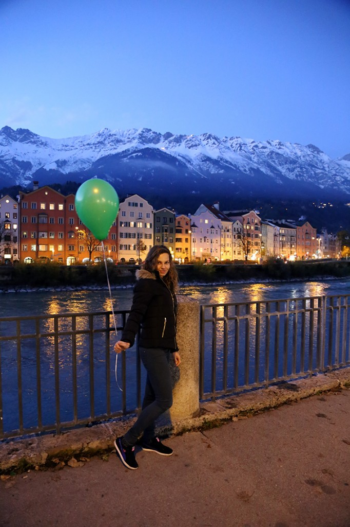 Nie byłabym sobą, gdybym nie wzięła jednego z rozdawanych na ulicy baloników ;) Ten przejechał kawałek Europy i udało mu się nawet dotrzeć z nami do Polski :)