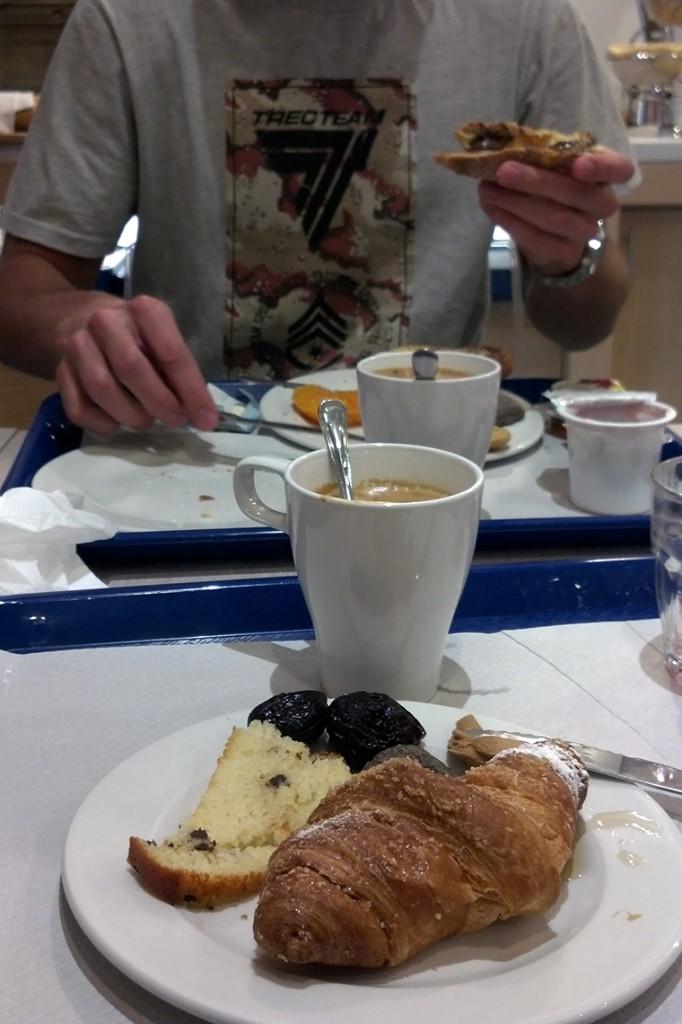 Nasze pierwsze włoskie śniadanie...