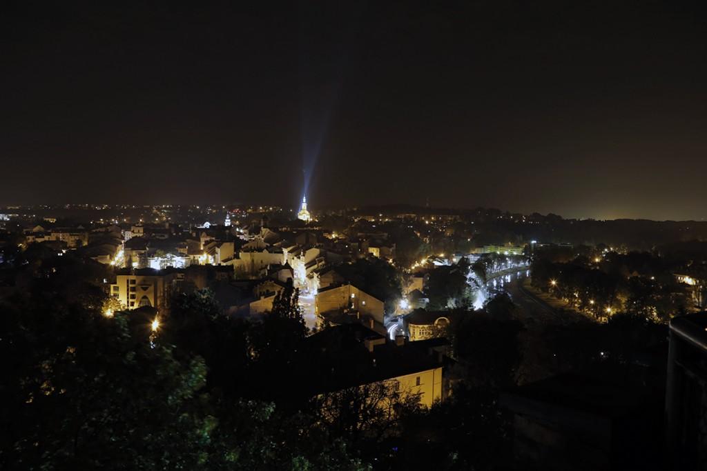 Cieszyn nocą widziany ze szczytu Wieży Piastowskiej.
