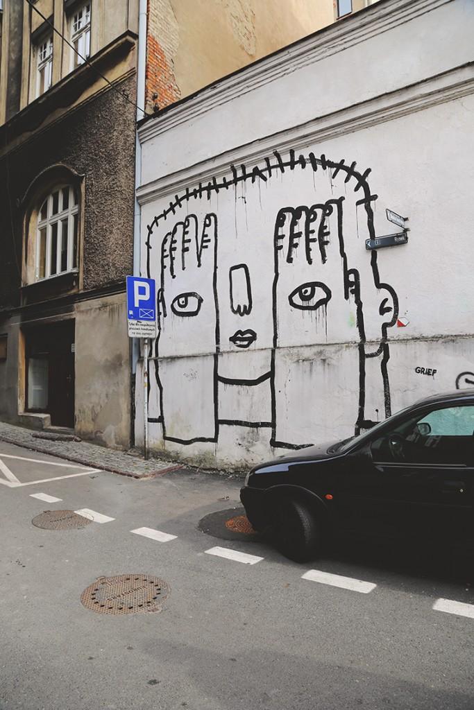 """""""Nie patrzę, ale jednak widzę""""? Cieszyński street art."""