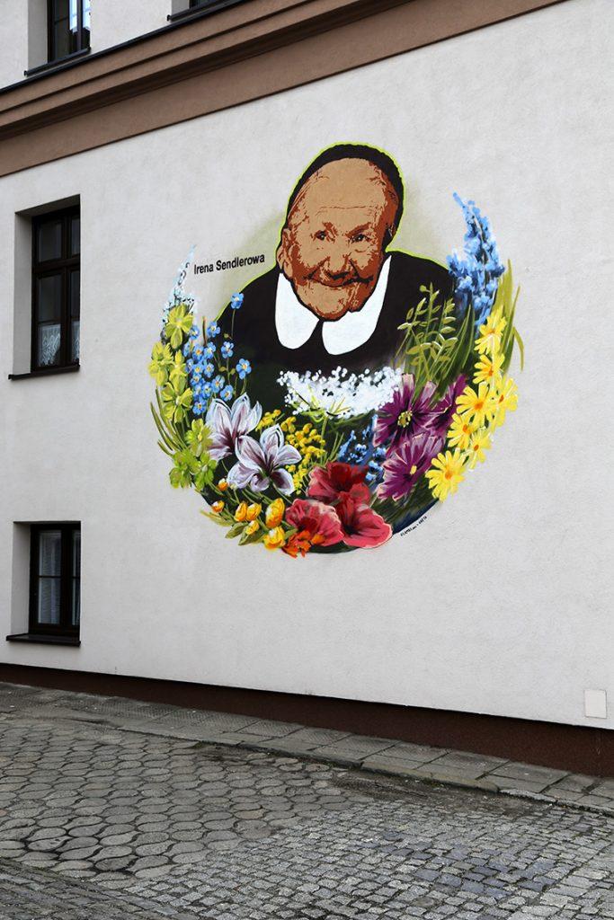 Cieszyński mural poświęcony Irenie Sendlerowej. Czy wiecie, że za pierwszym razem go przeoczyłam - mimo, że znajduje się tuż przy hostelu 3 Bros'? ;)