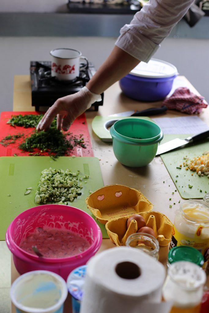 W przygotowaniu sosy - tatarski i ziołowy.