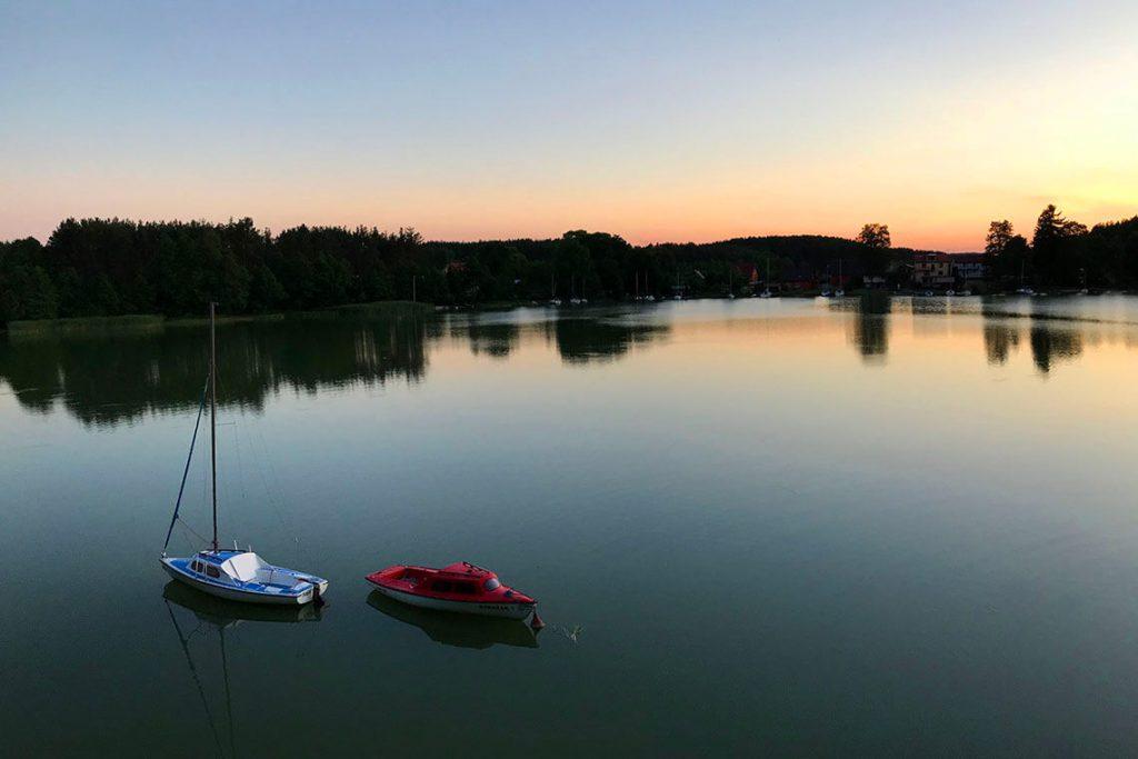 Zachód słońca nad Jeziorem Jelenim we Wdzydzach