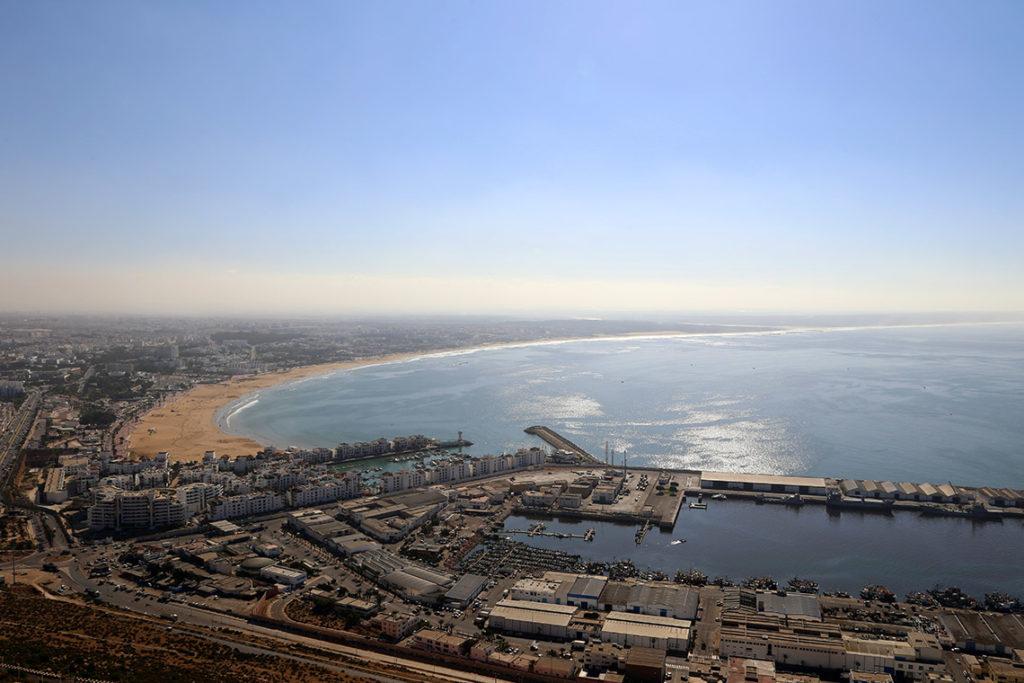Widok ze wzgórza na Agadir