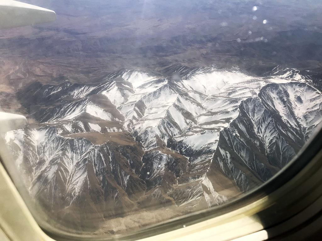 Ośnieżone Góry Atlas widziane z samolotu w drodze powrotnej