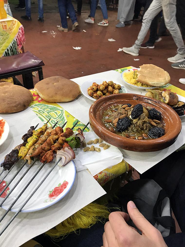 Tajine i saszłyki - kolacja na placu Jemaa el-Fna
