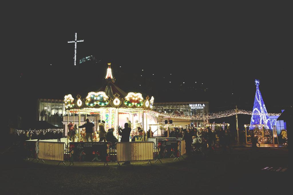 Karuzela na Gdyńskim Jarmarku Świątecznym