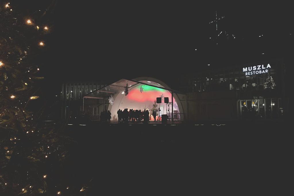 Odnowiona Muszla Koncertowa w Gdyni i stanowisko Świętego Mikołaja