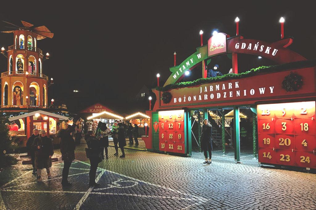 Brama Adwentowa na Jarmarku Bożonarodzeniowym w Gdańsku