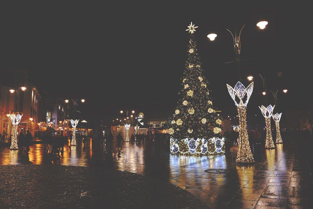 Choinka i iluminacje świetlne w Sopocie