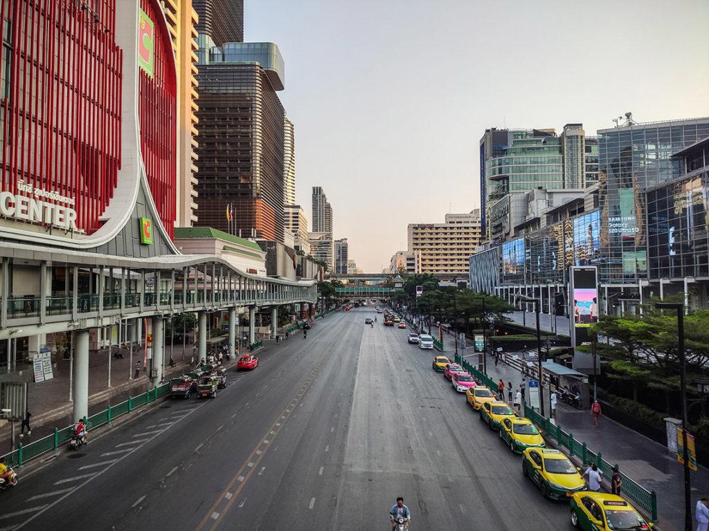 Bangkok - Ratchadamri Road, kwiecień 2020. Fot. W Środku Nigdzie - Michal Burchart