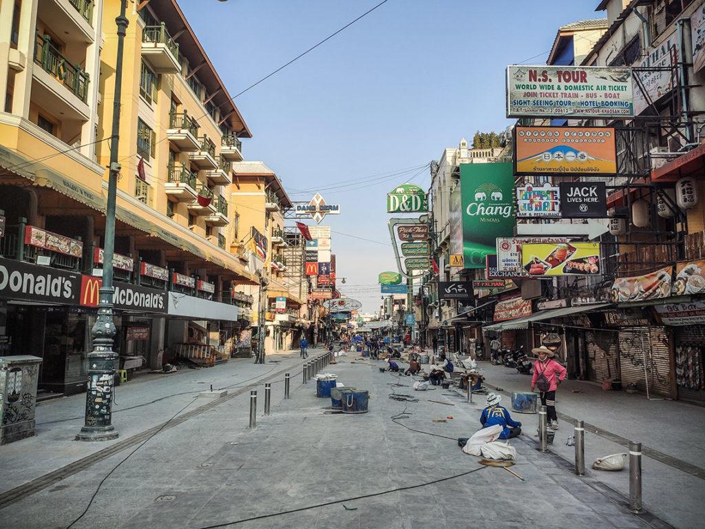 Bangkok - Khao San Road, kwiecień 2020. Fot. W Środku Nigdzie - Michal Burchart
