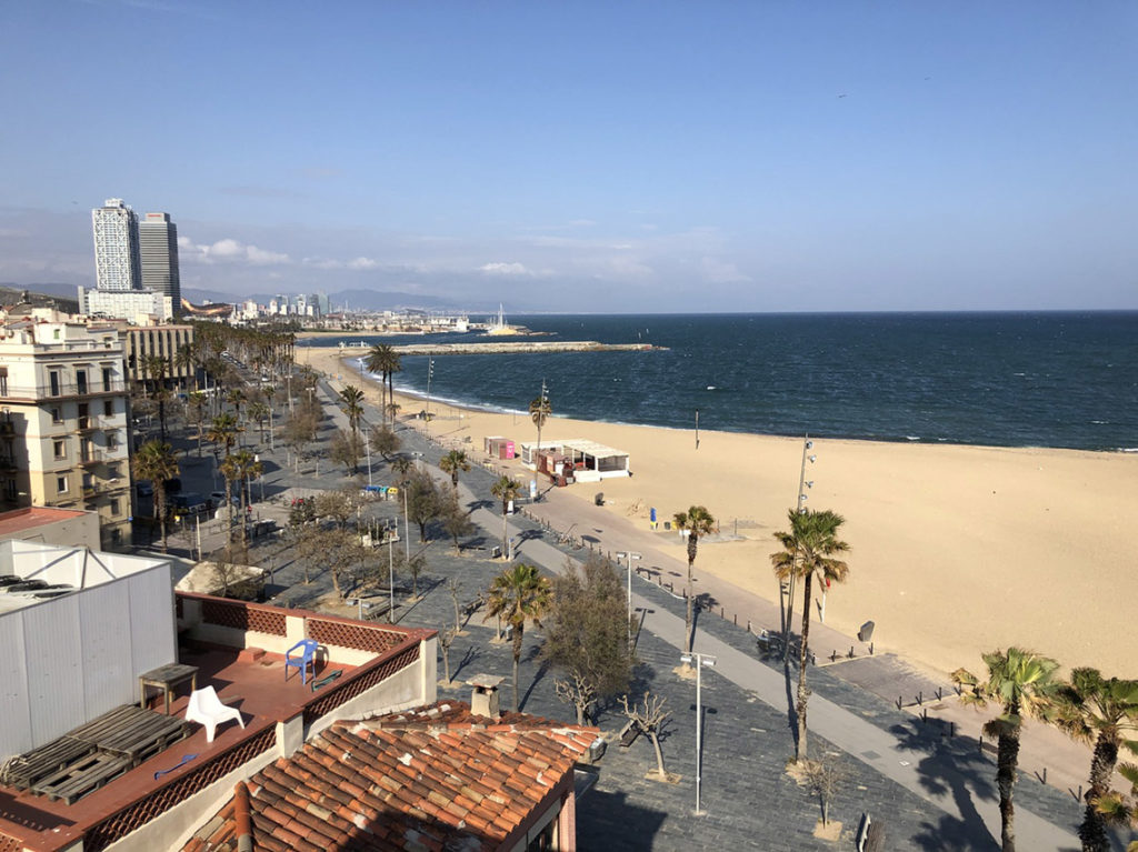 Barcelona - Playa de La Barceloneta, 23 marca 2020. Fot. Playa Media - https://www.playamedia.com/