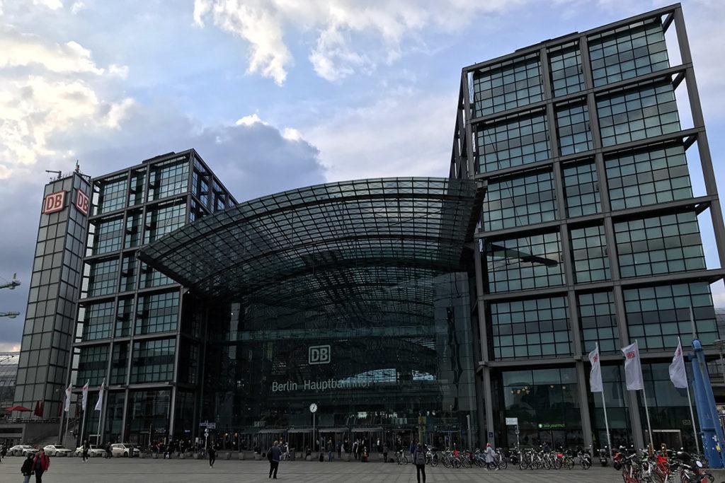 Berlin Hauptbahnhof - Dworzec Główny w Berlinie