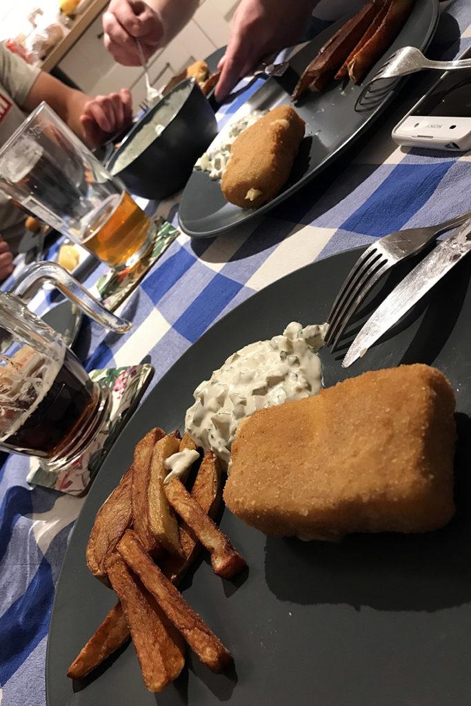 Czeski wieczór u nas w domu. Smažený sýr s hranolkami a tatarskou omáčkou ;)