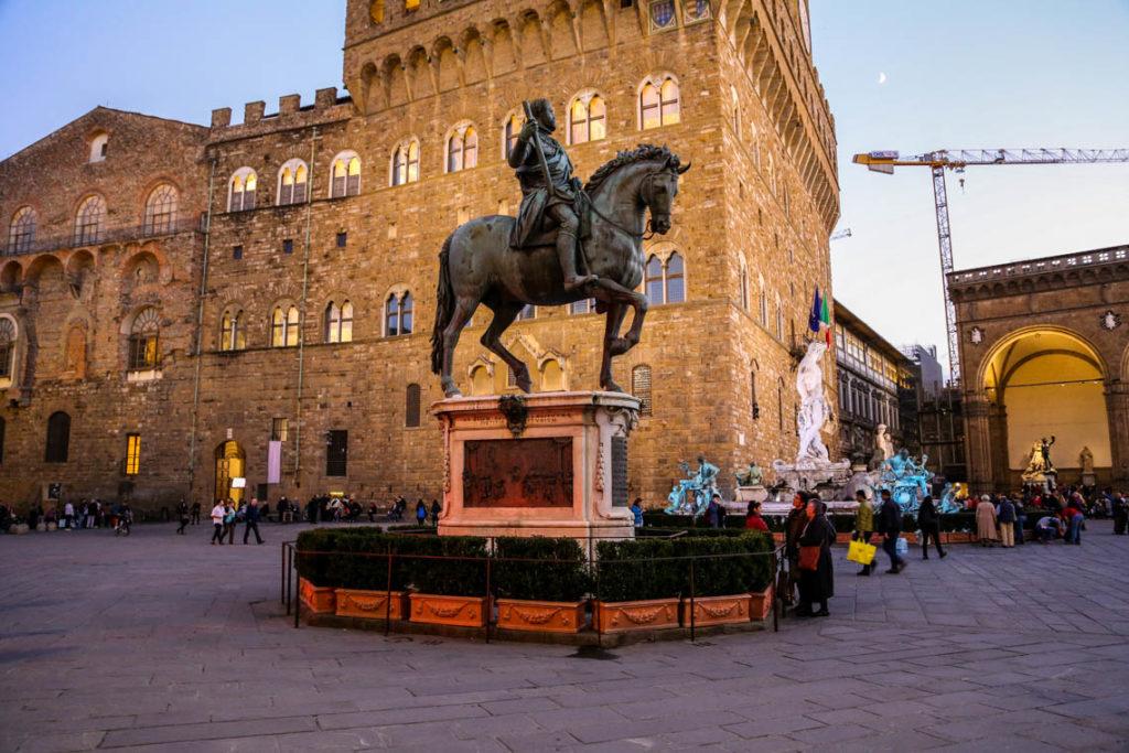 Florencja - pomnik konny Kosmy I, księcia Toskanii; 29 października 2014
