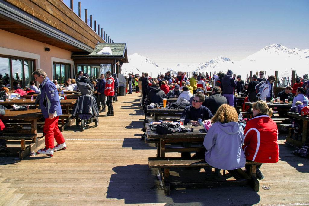 Livigno - après-ski w restauracji przy stoku, 4 kwietnia 2006