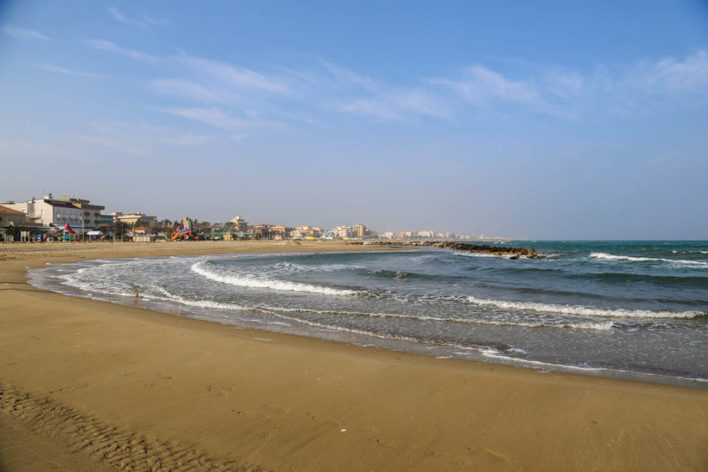 Rimini - pusta plaża, 31 października 2014