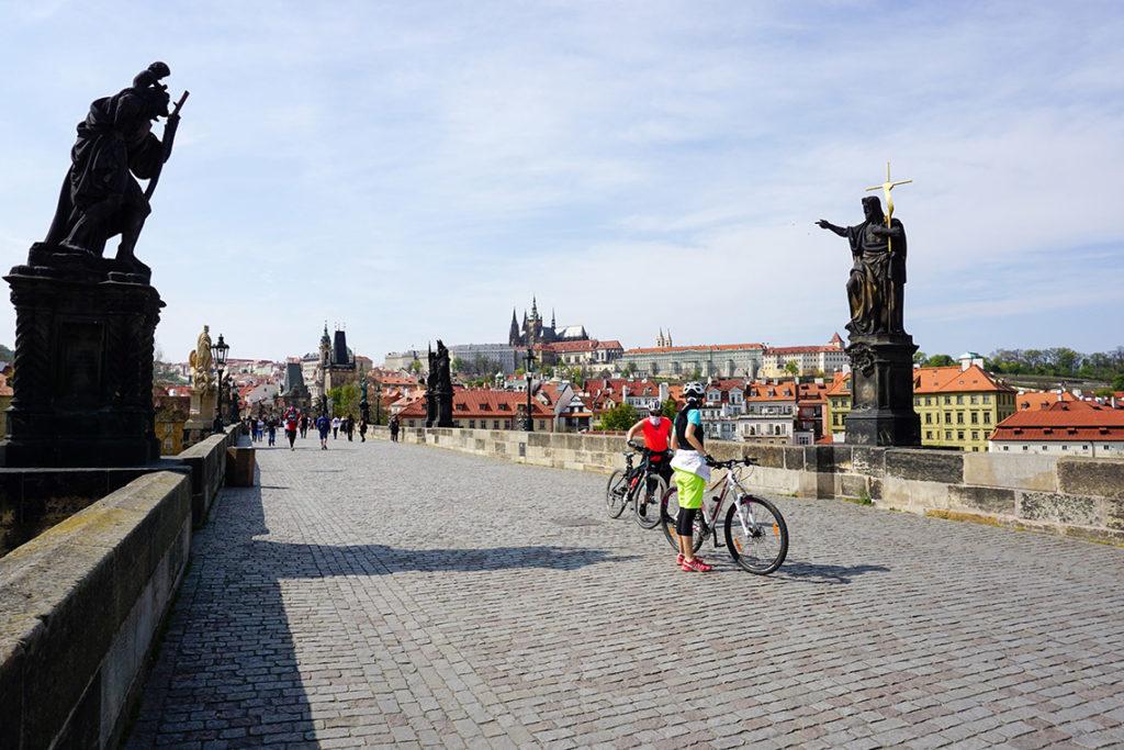 Praga - Most Karola, 18 kwietnia 2020. Fot. Mikołaj Góralik – Praski Łącznik