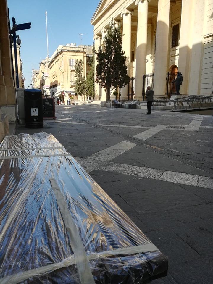 Valletta - Republic Street i Budynek Sądów, 17 kwietnia 2020. Fot. Adrienn Molnár