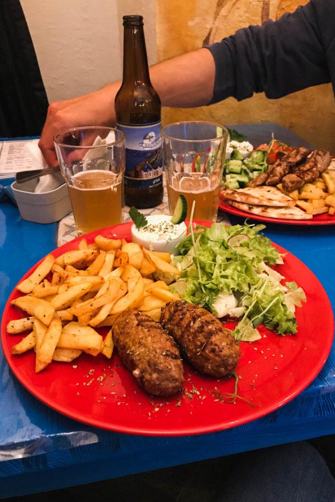 Santorini Gdynia - bifteki me feta i souvlaki