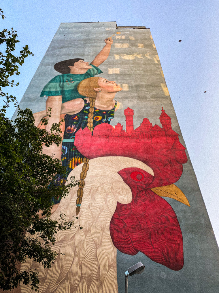 Mural autorstwa kolektywu Licuado oraz Alfalfa - Nicolasa Sancheza