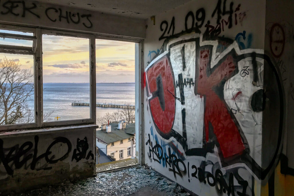 Opuszczone sanatorium w Orłowie. Gdynia, luty 2020