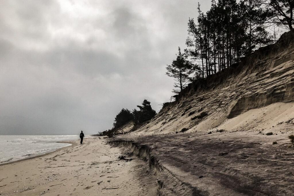 Spacer po plaży, rezerwat Helskie Wydmy. 2 maja 2020