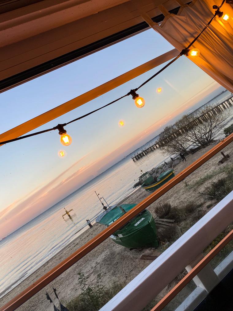 Plaża w Orłowie o zachodzie słońca, widok z Tawerny Orłowskiej. Spotkanie z Tomka wujkiem
