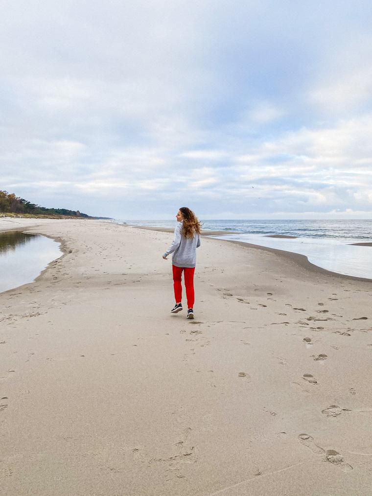 Wolność. Na plaży w Jastarni, listopad 2020