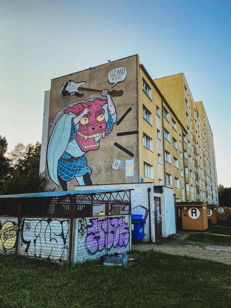 Mural, którego autorem jest włoski artysta Ozmo. Powstał z okazji 50. rocznicy pierwszego koncertu rockowego w Polsce, który odbył się w klubie Rudy Kot w Gdańsku