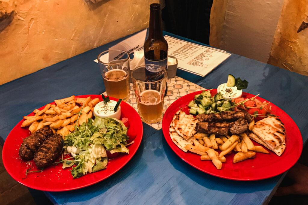 Rocznicowa uczta po grecku. Restauracja Santorini Gdynia, 24 maja 2020