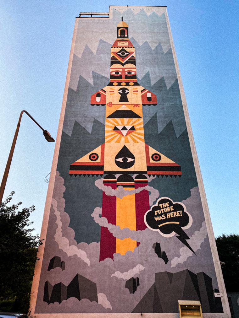 """""""The Future Was Here"""" - mural autorstwa szwedzkiej grupy Wallride"""