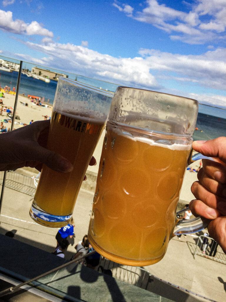 Browar Port i warzone na miejscu wyśmienite piwo pszeniczne z widokiem na gdyńską plażę