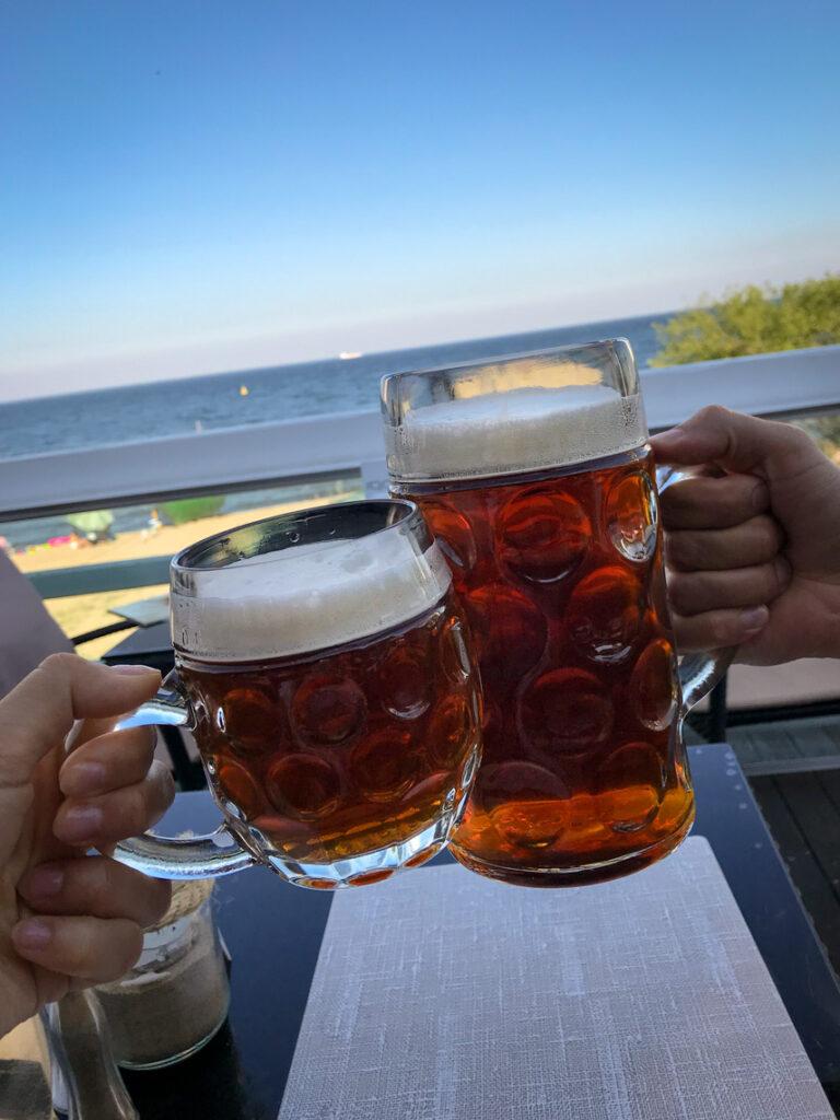 Piwo na tarasie w Tawernie Orłowskiej