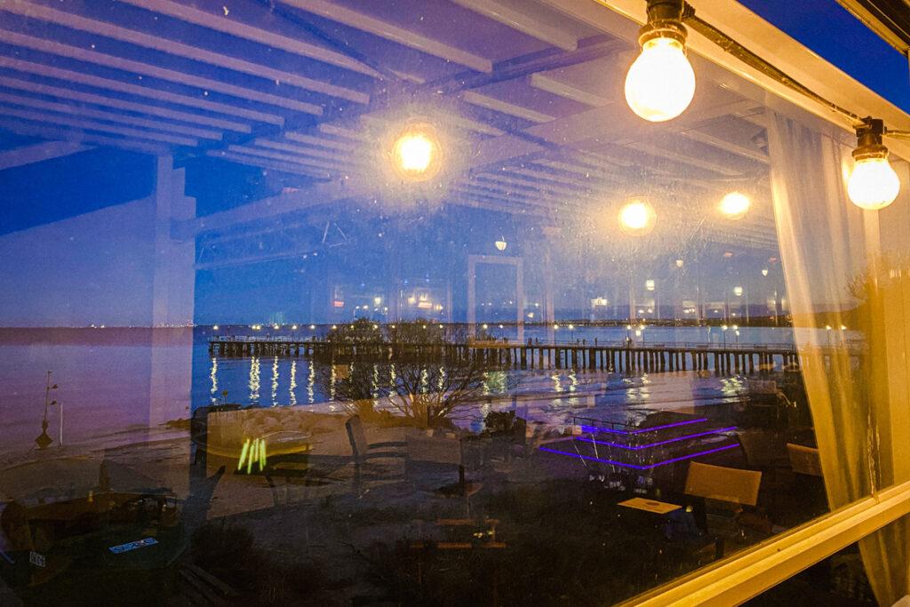 Wieczór w Tawernie Orłowskiej - widok na molo